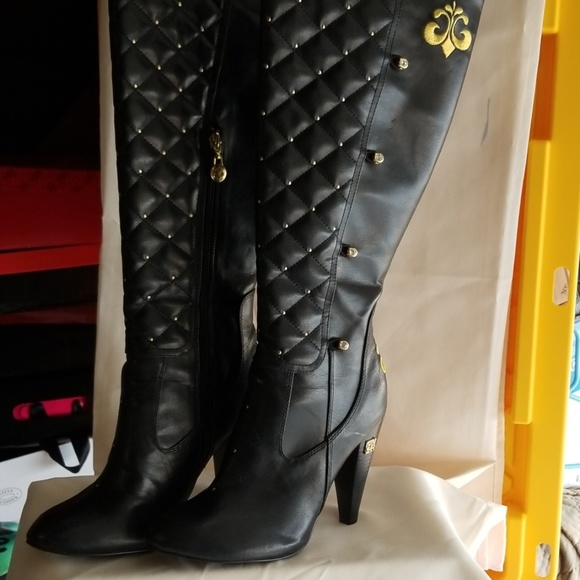 Dereon Shoes | Boots | Poshmark